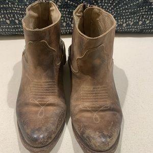 Freebird by Steven boots size 6